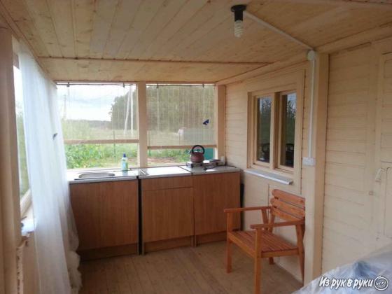 кухонная мебель с мойкой (действующая канализация на летней веранде и туалете в доме)